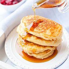 Puszyste placuszki (pancakes) (robić z 1/2: bez cukru wan. i masła, smażyć bez tłuszczu, 5 tb mąki, 1/4 tsp sody i 1/8 baking powder) Breakfast Pancakes, Breakfast Recipes, Breakfast Ideas, Dutch Waffles, American Pancakes, Recipe Details, Kid Friendly Meals, Fritters, Clean Recipes
