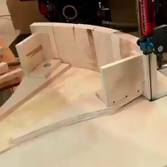 Amazing wood projects - fantastic woodworking skillsATTENTION WOODWORKERS: Click the link to get instant access to 50 FREE woodworking plans! Unique Woodworking, Woodworking Skills, Woodworking Workshop, Woodworking Supplies, Easy Woodworking Projects, Woodworking Techniques, Popular Woodworking, Woodworking Plans, Woodworking Shop