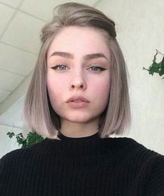 New Fashionable Bob Hairstyles to Inpire Your Next Cut - ., frisuren frauen New Fashionable Bob Hairstyles to Inpire Your Next Cut - . Cute Hairstyles For Short Hair, Girl Short Hair, Bob Hairstyles, Short Hair Styles, Formal Hairstyles, Bob Haircuts, Makeup For Short Hair, Short Hair Side Part, Short Hair Girls