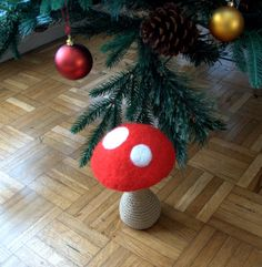 Woodlands nursery decor XXL mushroom Alice in Wonderland large red white dots Birthday party decoration magic forest