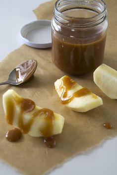 -karamelsaus zelf maken voor stroopwafel taart