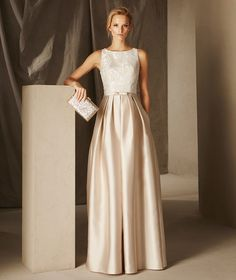 BRITANY : Formal Wear / Formal Fashion / Style / Gown / Formal Gown / Neutrals / Blush /
