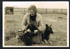 Foto Frau Hund Welpe vintage Photo snapshot woman dog puppies chiots femme (31)