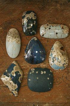 Leland blue cabs (slag) from http://garywilsonstones.com/