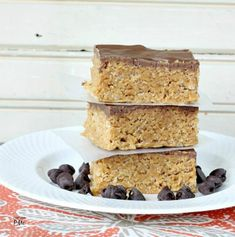 Chocolate Peanut Butter Bars are easy enough for kids to help with, crunchy cereal and peanut butter mixture topping with creamy chocolate