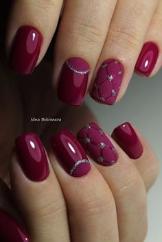 Nageldesign Bordeaux rot