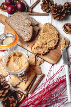 Merkur Blog | Spekulatius Aufstrich Avocado, Bread, Blog, Banana, Almond Cookies, Spreads, Food Food, Lawyer, Breads
