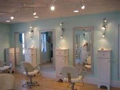 Find a Beauty Salon presents aqua hair salon. If you are looking for a beauty salon in Salem, aqua hair salon is right for you! Home Hair Salons, Hair Salon Interior, Salon Lighting, Track Lighting, Lighting Ideas, Small Hair Salon, Beauty Salon Decor, Beauty Salons, Salon Mirrors