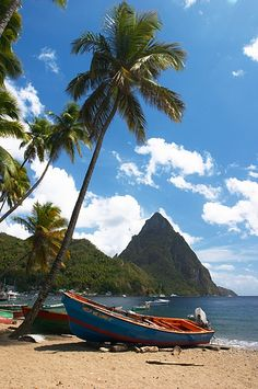 The St. Lucia Pitons, A Natural Wonder - Photo Friday Cool Places To Visit, Places To Travel, Places To Go, Cuba, Puerto Rico, Sainte Lucie, Bahamas, Caribbean Vacations, Beach Trip
