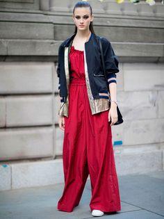 Уличный стиль моделей с Недели моды в Нью-Йорке