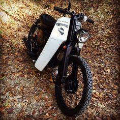Honda Cub, C90 Honda, Honda Cycles, Honda Bikes, Motorcycle Types, Bobber Motorcycle, Custom Motorcycles, Custom Bikes, Moped Scooter