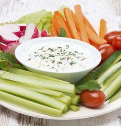 Gemüse-Sticks mit Joghurt-Quark-Dip