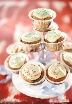 Me Gusta magdalena Mini Cupcakes, Chocolate Recipes, Sweets, Baking, Desserts, Food, Kitchen, Sweet Pastries, Baking Center