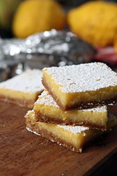 whole lemon bar recipe with gingersnap crust David Lebovitz Yummy Treats, Sweet Treats, Yummy Food, Un Diner Presque Parfait, Just Desserts, Dessert Recipes, Get Thin, Lemon Bars, Sweets