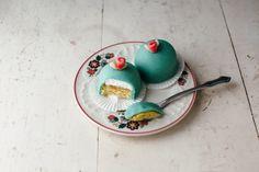 mini rhubarb princess cakes