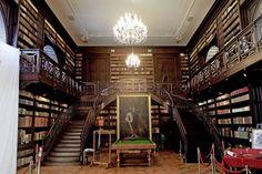 Unikátna knižnica v Oponickom kaštieli