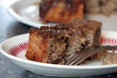 A wonderful recipe for caramelized Banana Upside Down Cake with chocolate, a low-fat snack that's easy to make from pastry chef David Lebovitz.