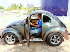 "Check out this ""mini"" vw bug conversation. Vw Bugs, Weird Cars, Strange Cars, Beetle Car, Smart Car, Vw T1, Vw Camper, Bugatti, Car Humor"