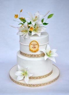 wedding cake with lily - Cake by majalaska