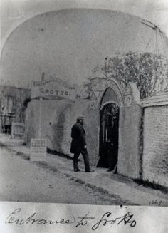 James Newlove took full advantage of the marketing appeal of the Shell Grotto and opened it to the public in 1838. Part of its appeal came from its surprise appearance. These tunnels never appeared on any map and no one had ever heard stories of its construction.