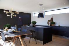 #urbanhus #kjøkken #parkett #light #white #floor #Kitchen  #Urbanhus #Bolig #Interiør #InteriorDesign #Hjem #Ferdighus #Contemporary #ByggeHus #HomeDesign #Designhus #Modulhus #NordicDesign #NordicStyle #Funkishus