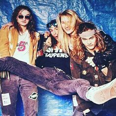 Layne Staley Sean Kinney Jerry Cantrell Mike Starr Alice in Chains