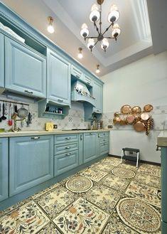 голубая кухня прованс Kitchen Decor, Kitchen Design, Cute House, Mosaic Tiles, Interior Decorating, Shabby Chic, Kitchen Cabinets, Construction, Inspiration