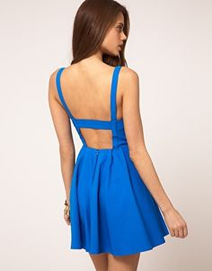 I love an open back. So much better than a low cut front.