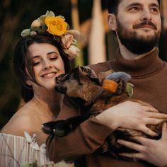 """Sărbătorile sunt despre momente în familie, cu cei mai dragi alături, cu recunoștință și iubire. Opriți-vă pentru un moment și spuneți-le """"mulțumesc!"""" Paște liniștit! 📷 @ioanstoica   Design, flowers & props @mugurdezof   make-up @alexandra.apreutesei Mai, Couple Photos, Couples, Design, Couple Shots, Couple Photography, Couple, Couple Pictures"""
