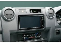 "Land Cruiser 70 telematics system ""T-Connect"" (Japan commemorative re-release; option)"