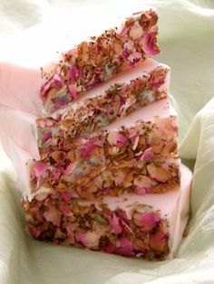 #Handmade #Soap Frankincense & Myrrh Essential Oil with Dried Rose Petal Handmade Soap #handmadesoap #wedding favour http://www.mycraftkingdom.com