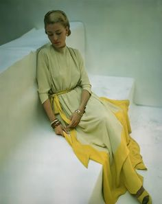 1947 --- Seated model wearing an ice-yellow and heat-yellow stretch dress. vintage everyday: Extraordinary Color Fashion Photography Taken During the by John Rawlings 1940s Fashion, Look Fashion, Fashion Beauty, Petite Fashion, Hijab Fashion, Balmain, David Bailey, Vintage Fashion Photography, 1940s Dresses