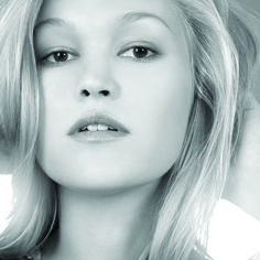 Actress Julia Stiles Plans a Perfect Day in New York  #juliastiles #NYC #newyork #wheretraveler