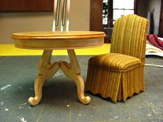 Dollhouse Miniature Furniture - Tutorials | 1 inch minis: Dining table