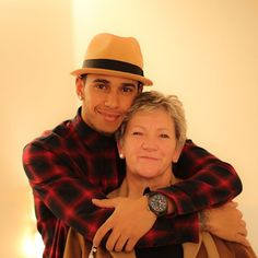 Lewis Hamilton & his Mother F1 Lewis Hamilton, Lewis Hamilton Formula 1, Ricciardo F1, Daniel Ricciardo, Mother Birthday, Happy Birthday, Cute Haircuts, F1 Drivers, Sport Man