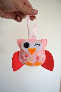 Finished front - felted owl