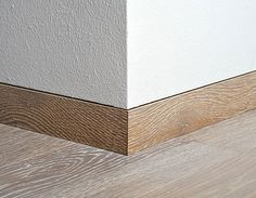 Skirting boards that match the floor Detail Architecture, Interior Architecture, Interior Modern, Interior And Exterior, Interior Design, Interior Trim, Scandinavian Interior, Joinery Details, Skirting Boards