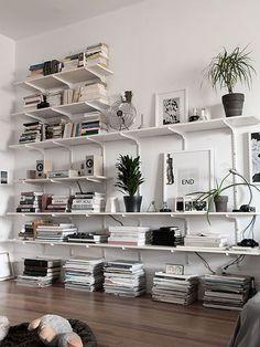 My) unfinished home shelves bücherregal wand, bücherregal id Home Interior, Interior Architecture, Interior Design, Room Inspiration, Interior Inspiration, Workspace Inspiration, Home Libraries, My New Room, Home And Living