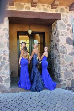 Prom poses - Prom - BFF pictures I want to remember for next year. Prom Dresses & friends.