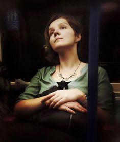 Il photographie les passages du métro… tel un peintre du XVIè siècle ! Superbe…