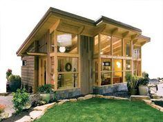 casa pequeña de madera y vidrio
