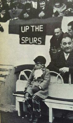 Danny Blanchflower's son waits for his dad to appear at WHL Tottenham Hotspur Football, London Pride, Spurs Fans, White Hart Lane, Sports Figures, North London, Father And Son, Premier League, Sons