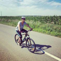 Claudia, cursanta noastra, ne-a trimis o poza din prima ei excursie cu bicicleta: 36 de kilometri! Felicitari, suntem mandri de tine! #scoaladesport #vacanta #excursie #bicicleta