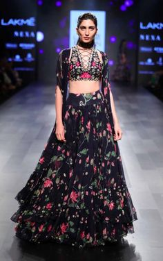 Vineet Rahul, Ridhi Mehra and Arpita Mehta's show at the Lakme Fashion Week AW We love the sensual styles and the bold detailing!