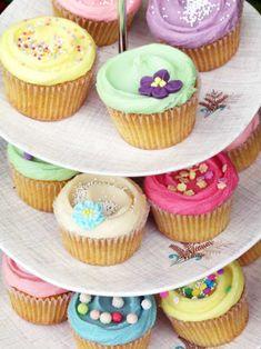 ギャザリングの手土産にもぴったりな、見た目もキュートなカップケーキレシピ。ぜひトライしてみて!|『ELLE a table』はおしゃれで簡単なレシピが満載!