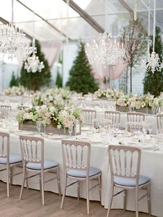 Consider these pastel wedding elements for your wedding décor. Pastel Wedding Colors, Wedding Color Schemes, Wedding Flowers, Low Wedding Centerpieces, Reception Decorations, Wedding Tables, Centerpiece Ideas, Wedding Receptions, Tent Reception