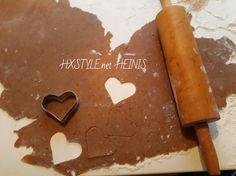 KOTI&LEIVONTA. KEKSIT, PIPARIT. JOULUPIPARIT, MALLIT&MUOTIT…  Ihanat&Herkulliset 11.12.2017…JOULU valmistelut. 1/2 Suosikki HXSTYLE.net HEINIS Koti, Endless Love, Home Food, No Bake Desserts, Kitchen Decor, Cookies, Baking, Finland, Life