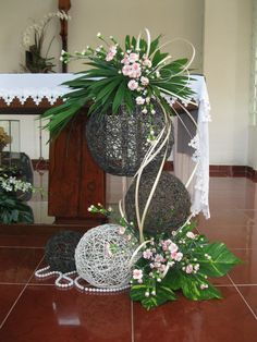 1 million+ Stunning Free Images to Use Anywhere Contemporary Flower Arrangements, Creative Flower Arrangements, Tropical Flower Arrangements, Flower Arrangement Designs, Ikebana Flower Arrangement, Church Flower Arrangements, Beautiful Flower Arrangements, Tropical Flowers, Altar Decorations