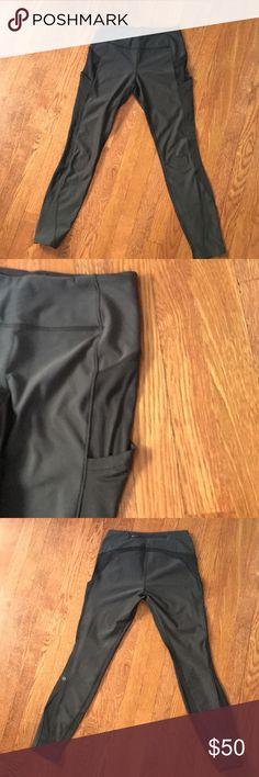Black lulu lemon leggings size 6. Black lulu lemon leggings size 6 pockets on sides and zipper on top in the back great leggings barley ever worn! lululemon athletica Pants Leggings