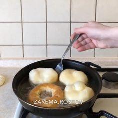 """Хаджиева Зарема on Instagram: """"ВСЕМ ХОРОШИХ ВЫХОДНЫХ😊 . Готовим сегодня очень вкусные,вкусняшки😊 """"Перямечи"""" Тесто: Вода-500 мл(тёплая) Растительное масло-5 ст ложек…"""" Mini Pies, Fondue, Cheese, Ethnic Recipes"""